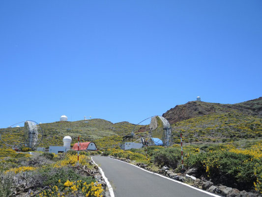 Die Observatorien bei c.  2400m