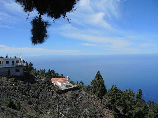 Im Hintergrund die Insel El Hiero