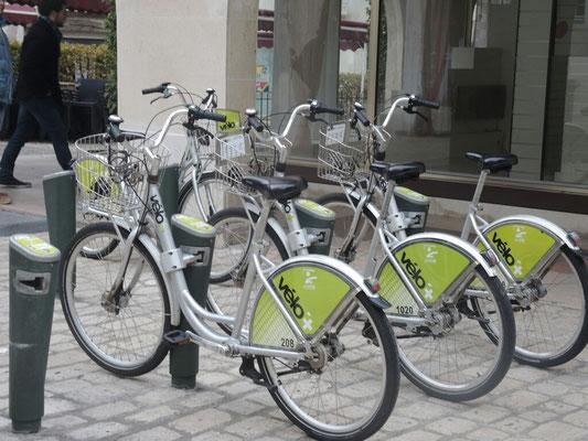 und wieder einmal ein Fahrradverleih(per Handy anmelden, woanders abstellen, per Handy bezahlen)
