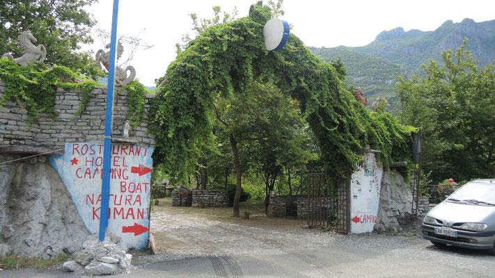 Einer unserer Lieblingsplätze in Albanien ist der Campingplatz Komani