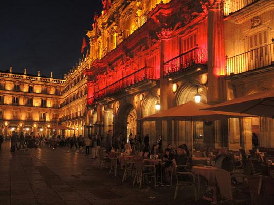 """Der Plaza Mayor am Abend, Inge in """"meiner"""" Kneipe"""