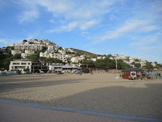 der Strand von L'Escala