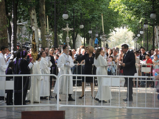 Die Prozession beginnt...
