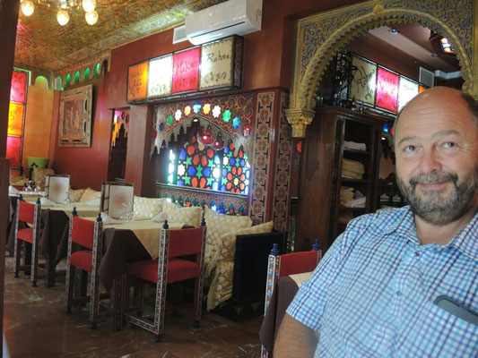 nach dem arabischen Essen - satt und zufrieden...