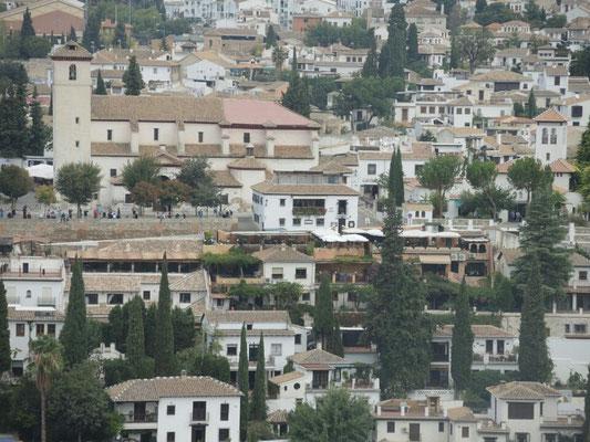 Blick auf den maurischen Stadtteil Albacien, von dort haben wir gestern die Alhambra fotografiert
