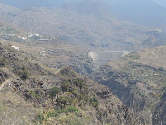 Staumauer von Soria