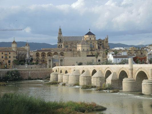 Die Römer-Brücke nach Cordoba