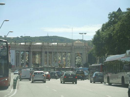 quer durch Barcelona, teilweise sechsspurig(!!!),