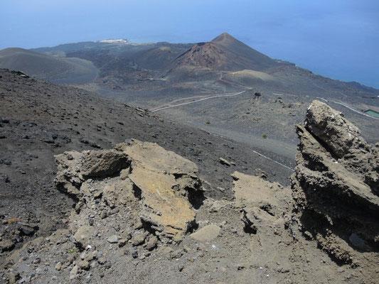 unten der Vulkan Teneguia (Ausbruch 1971)