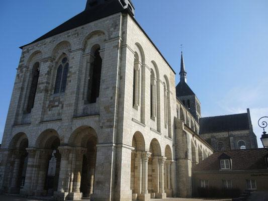 Die Basilika von...   200 Seelen Dorf