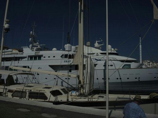 Mein Geld wird wohl nie dafür reichen, mal so ein Boot putzen zu dürfen...