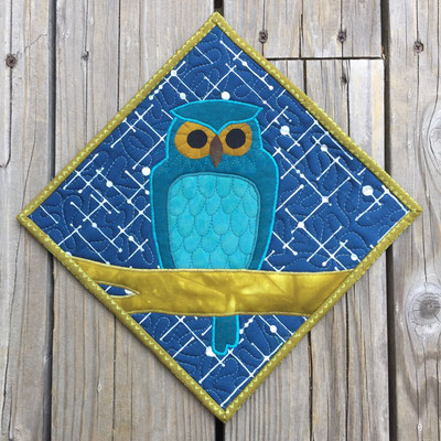 Owl - Blue Potholder/Mini-Quilt front