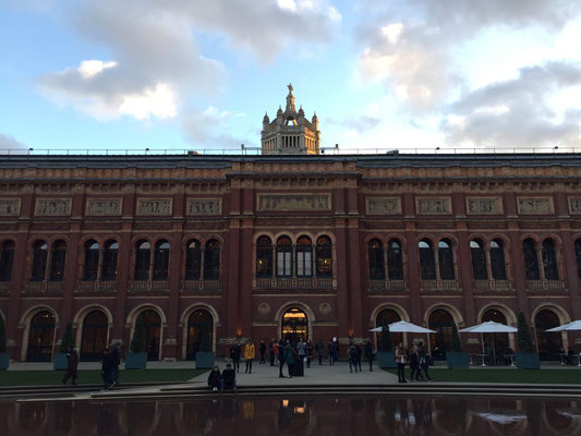 Inner Courtyard Victoria & Albert Museum, London, England Photo credit: Amy Mundinger, 2017