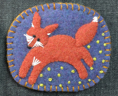 Felted wool pin brooch - Fox