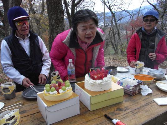 さよ子さん、誕生日おめでとう!弘法山にて、