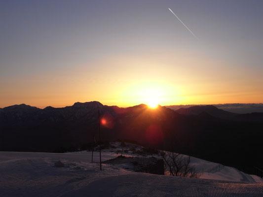 八方池山荘からの日の出
