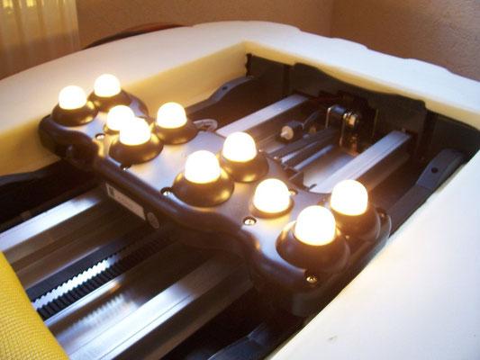Bild: MIGUN HY 7000 elektrische Massageliege - Heizelement ausgebaut auf Schlitten