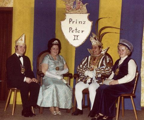 Prinz Peter II mit Begleitung