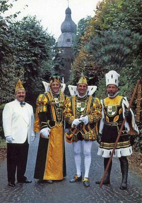 Prinzenführer Ernst Münsch, Jungfrau Wilhelmina (Willi Becker), Prinz Alfred I (Schwickert), Bauer Michael (Unnau)