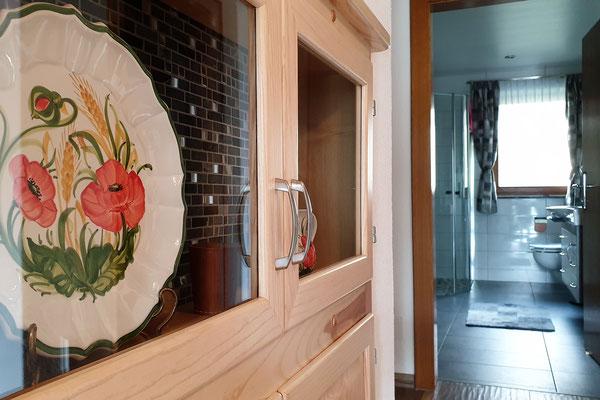 Ferienwohnung Strasser in Malta: Blick vom Vorraum ins Badezimmer und WC