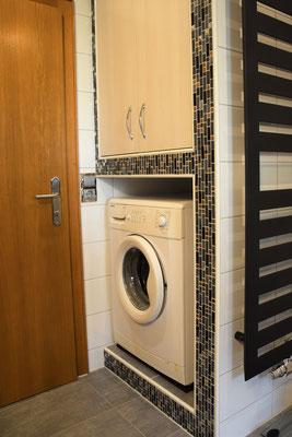 Ferienwohnung Strasser in Malta: Eine eigene Waschmaschine befindet sich im Badezimmer