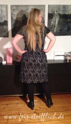 Rückansicht Kleid 29 Knipmode 06/2015