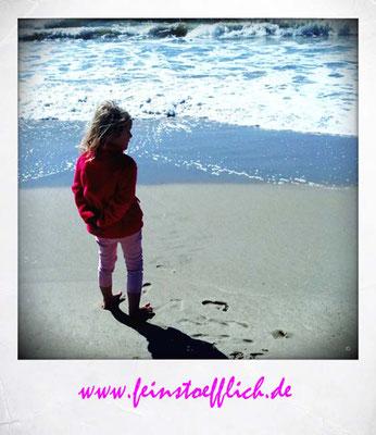 Leider ist das Wasser sehr kalt und der Westwind am Strand frisch