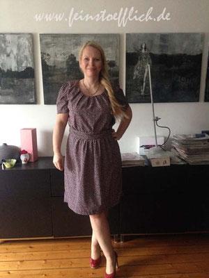 31. Mai zum Finale Mein Guckloch-Kleid aus der Fashionstyle / Knip von 2015, Viskose vom Maybachufer