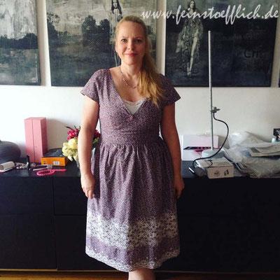 12. Mai Kleid nach einem alten Burdaschnitt, Stoff mit Spitzenborte aus einer Atelierauflösung