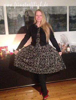 Baukastenkleid mit geändertem Jäckchen Naomi aus der La Maison Victor