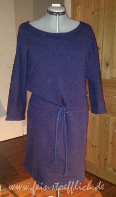 Sweatkleid aus älterem Knipheft, Stoff Stoffcentrum, mittlerweile gibt es noch eine dritte Version