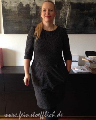 1. Mai Start mit dem Lora Kleid aus der La Maison Victor und einem Besuch bei der Schwiegermutter, dehnbares Polygemisch vom Stoffcentrum