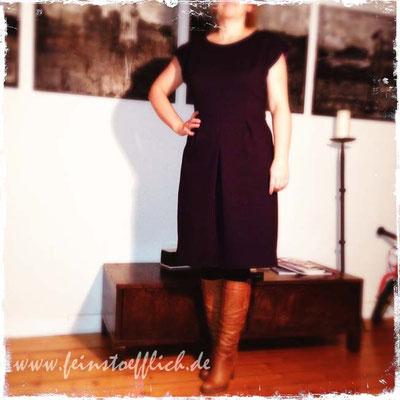 Meine Nähmode 4/2013, genäht aus Lila Romanit vom Maybachufer, das Kleid ist mittlerweile in den Schrank meiner Frau Mama gewandert