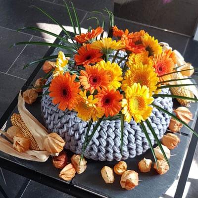 Kranz silbergrau gehäkelt Blumen. Danke Gudi♥️