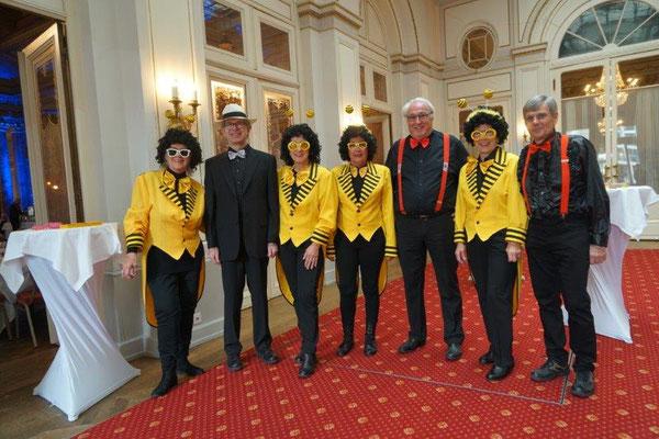 Vorstand als Bienen und Taxidancer