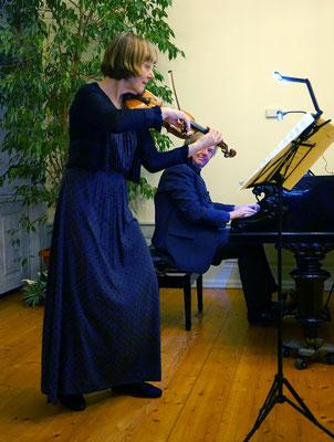 Gunhild Hoelscher (Violine) & Gerrit Zitterbart (Klavier)