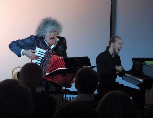 Wie ein rollender Stein! Dylan auf deutsch im Pfalztheater Kaiserslautern