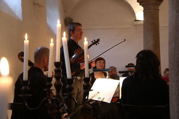 Anmoderation von Johannes Pardall, Quartett-Konzert im Weingut Janson-Bernhard in Zellertal-Harxheim