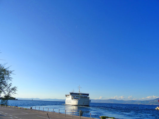Ankunft auf der Insel Brač ... (Ok, ehrlicherweise hier die Abfahrt, aber das Bild ist einfach zu schön ;)