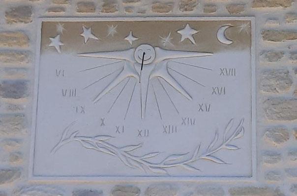 Cadran solaire en enduit sculpté main