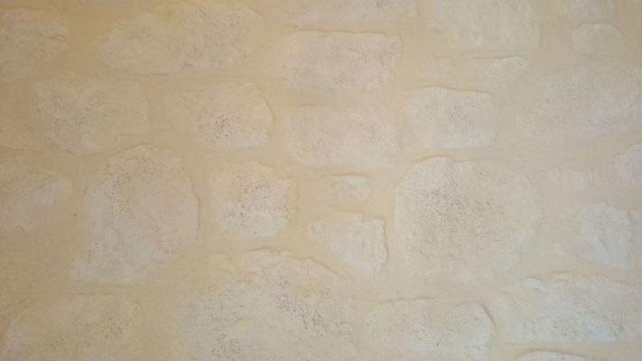 Fausse pierre poreuse