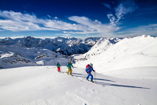 Wi 001 - Location: Allgäu - Rider: Christoph Mosmang, Alina Kuffner, Janik Horst
