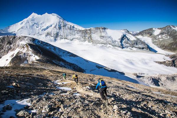 MB 008 - Rider: Florian Häusler, Robert Härle und Florian Bergmann - Location: Walliser Alpen, Schweiz