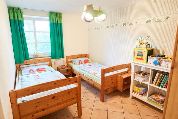 Blick in ein Kinderzimmer einer Ferienwohnung des Imkershofs der Familie Röhrs in Schneverdingen-Surbostel