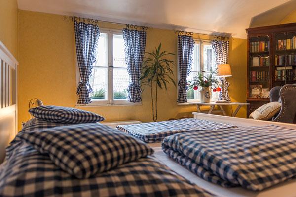 Gobelinschlafzimmer Ferienwohnung Hofgarten Altes Forstamt