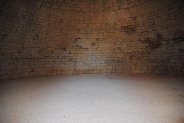 Im Kuppelgrab der Klytaimnestra