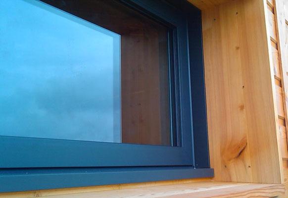 Fenêtre Millet avec précadre bois