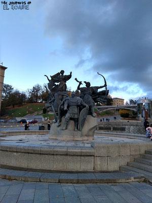 Springbrunnen der Gründergeschwister Kiews