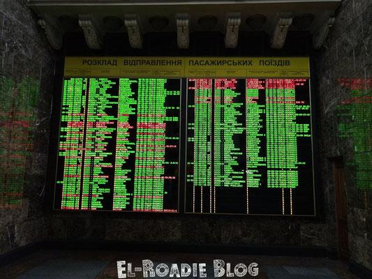 Informationstafel am Hauptbahnhof Kiew