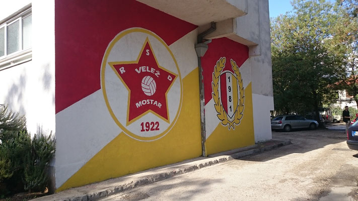 Graffiti der Red Army Mostar Ultragruppe